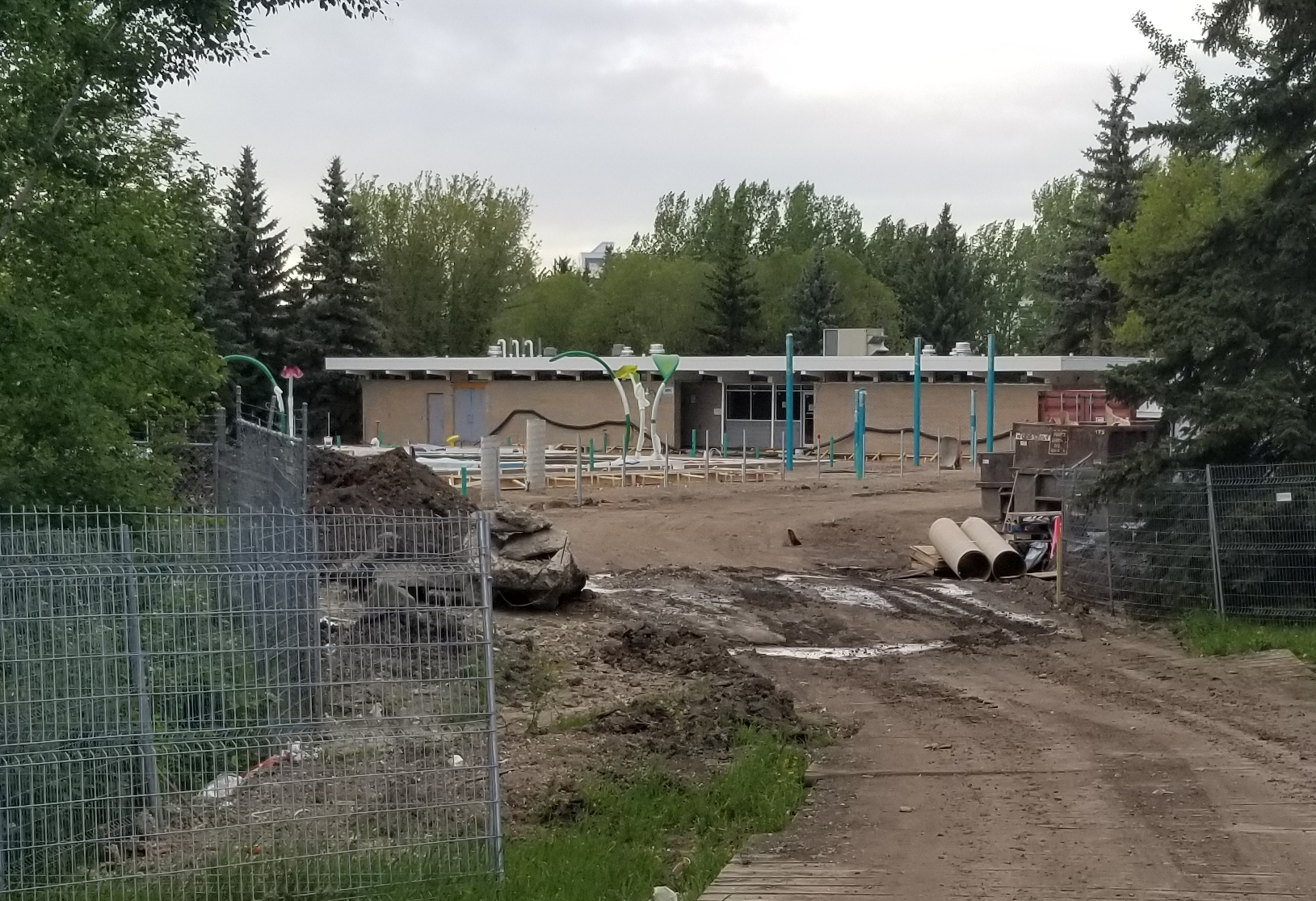 Bear Creek Pool On Track To Open Mid Summer My Grande